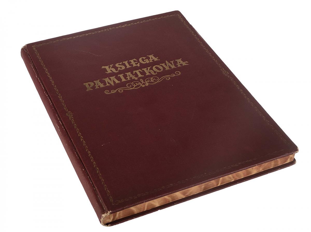 Księga pamiątkowa z wpisami gości Grand Hotelu w Sopocie z lat 1967–1977 - 1