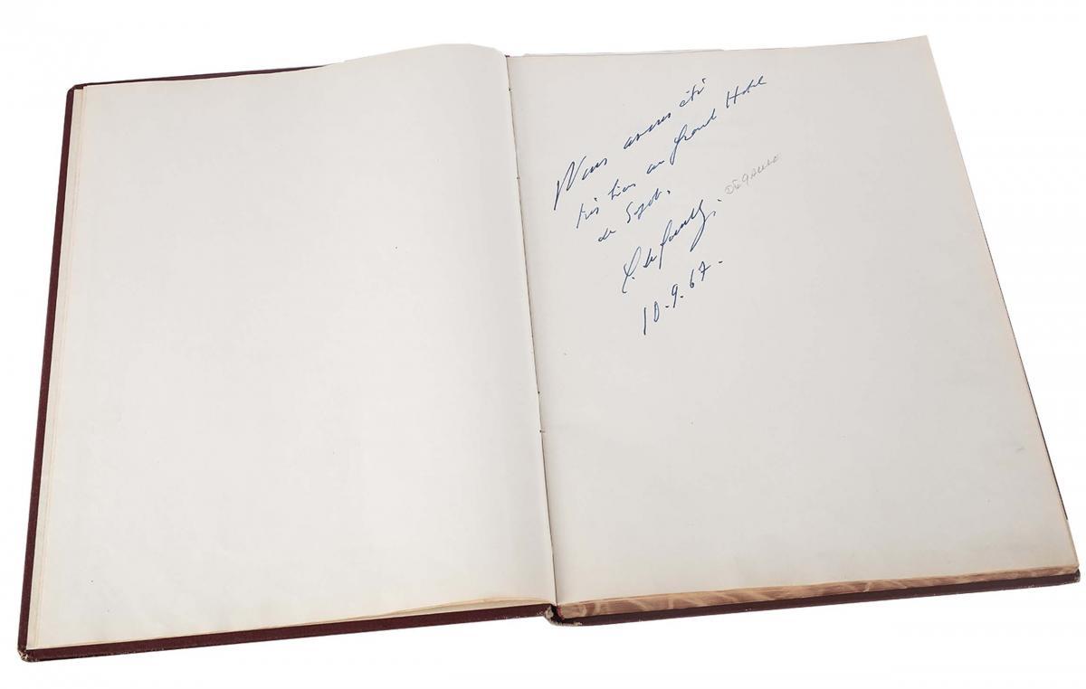 Księga pamiątkowa z wpisami gości Grand Hotelu w Sopocie z lat 1967–1977 - 3