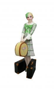 Dziewczyna z sakwojażem i walizkami