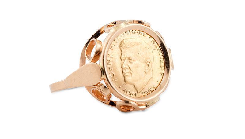 Pierścionek z monetą