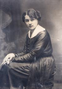 Portret kobiety Heleny Roesner z d. Żabczyńskiej