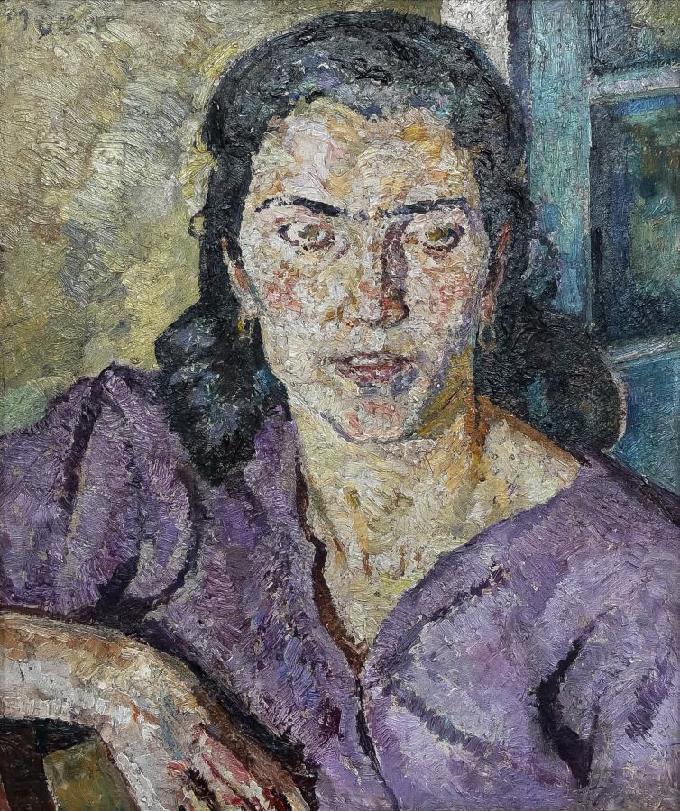 Portret kobiety w fioletowej bluzce